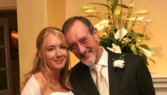 Lindsay and her dad on her wedding day